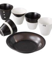 مجموعة طبق وأكواب التباين أحادية اللون